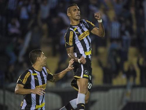 Botafogo derrota Figueirense e fica perto das oitavas da Copa do ... 83f749759d111