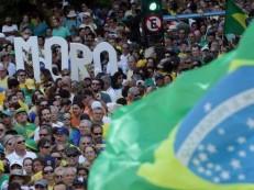 Ato pró-Lava Jato na Av. Paulista reuniu 15.000 pessoas, diz PM