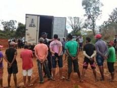 Paraibanos são achados em trabalho escravo no DF; eles ficavam dias sem comida e banho