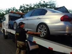 Carro de luxo retido em Canindé tem mais de R$ 6 mil em débitos