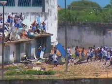 Policiais disparam contra detentos amotinados em penitenciária do RN
