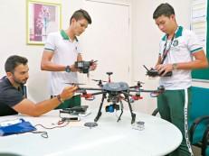 Estudantes de Várzea Alegre usam drone no combate ao Aedes aegypti