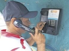 Orelhões resistem no Ceará e ainda têm usuários
