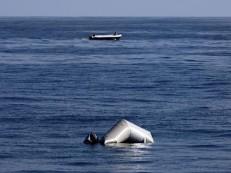 Mais de 140 migrantes desaparecem após naufrágio no Mediterrâneo