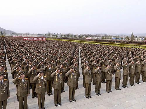 Coreia do Norte anuncia maiores exercícios militares da história