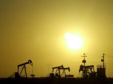 Petróleo abre em alta em Nova York, a 49,55 dólares o barril