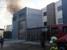 Incêndio atinge fábrica de papéis higiênicos na Cidade dos Funcionários