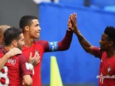 CR7 marca, Portugal goleia Nova Zelândia e avança como líder