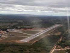 Eunício consegue verba com Temer para ampliação da pista do Aeroporto de Juazeiro