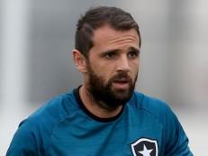 Montillo entra em acordo com Botafogo e rescinde contrato