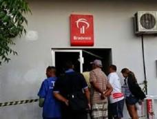 Quadrilha ataca banco em Alto Santo e foge sem dinheiro