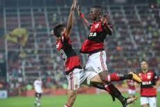 Com show de Vinicius Jr., Flamengo bate Atlético-GO e reencontra vitória