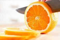Como a laranja pode ajudar quem tem problema de intestino