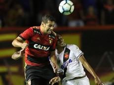 Árbitro volta em pênalti, Sport marca no fim e empata com o Vasco