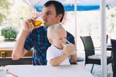 Por que beber na frente dos filhos é um péssimo hábito