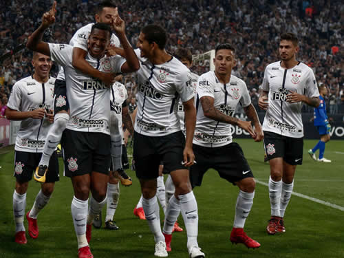 Corinthians vence Fluminense e conquista o heptacampeonato