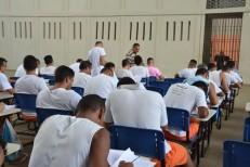 Mil presos vão fazer Enem no Ceará