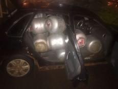 Homem carrega 14 botijões dentro de carro, chama a atenção da PM e é preso por roubo no DF