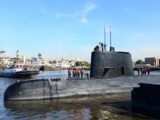 Governo argentino destitui chefe da Marinha após caso de submarino