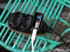 Mulher morre ao sofrer choque elétrico após colocar celular para carregar em PE