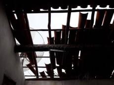 Chuva com vento forte e granizo destrói telhados em Santana do Acaraú