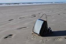 Mais de 95% do lixo nas praias brasileiras é composto por plástico, indica estudo