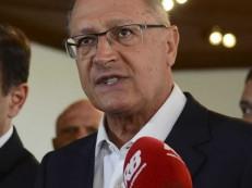 Alckmin defende intervenção no Rio, mas com prazo determinado