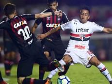 São Paulo abre 2 a 0, mas cede empate ao Furacão e é eliminado