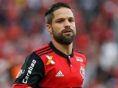 Diego tem lesão na coxa e desfalca Flamengo em despedida de Júlio César