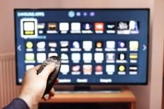 Cresce acesso à internet pela televisão no Brasil, diz IBGE