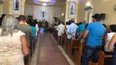 Políticos e familiares participam da missa de 7ª dia de Deir da Serra, vereador de Farias Brito