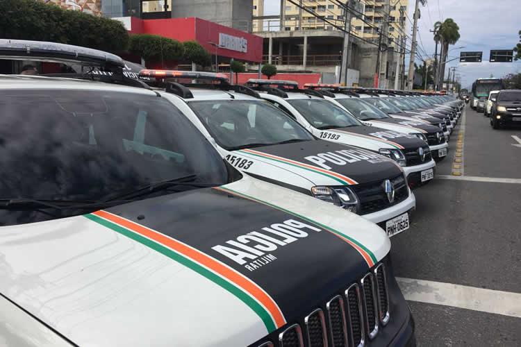 0622acff1a342 Mais 102 novas viaturas foram entregues pela Secretaria da Segurança  Pública e Defesa Social (SSPDS), na manhã desta terça-feira (7), para  reforçar a frota ...