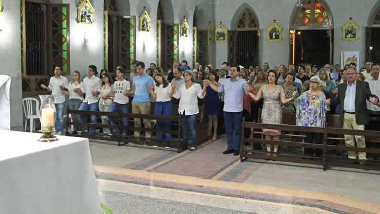 Missa esvaziada marca quatro anos da morte de Eduardo Campos