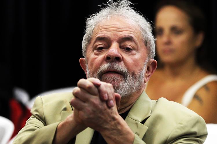 Em nova pesquisa, Lula lidera com 30% das intenções de voto