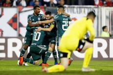 Palmeiras vence Colo-Colo no Chile e fica perto da semifinal
