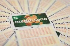 Ninguém acerta Mega-Sena e prêmio acumula em R$ 22 milhões