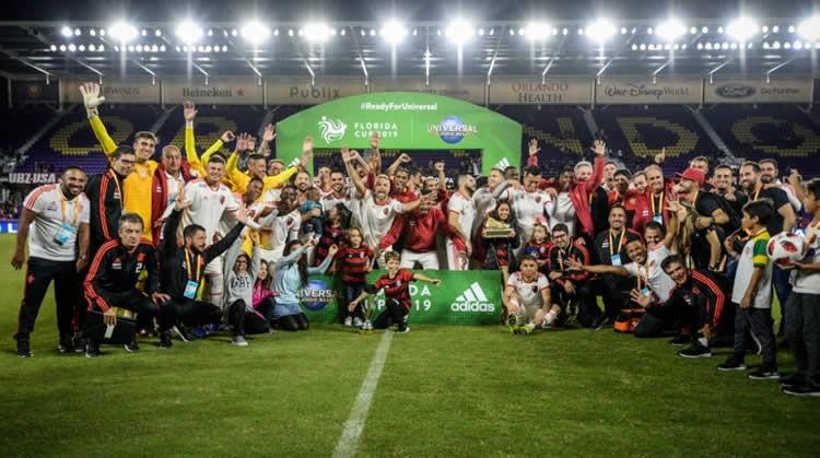 Flamengo vence o Eintracht Frankfurt e inicia 2019 com título da ... 90ca48234e5aa