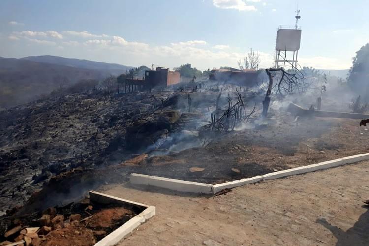 Veja o incêndio em mata próximo a cidade de Tarrafas que provocou evacuação de moradores