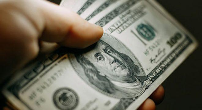 Resultado de imagem para dolar opera em alta