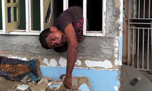 Ladrão em Juazeiro do Norte fica preso à grade durante furto