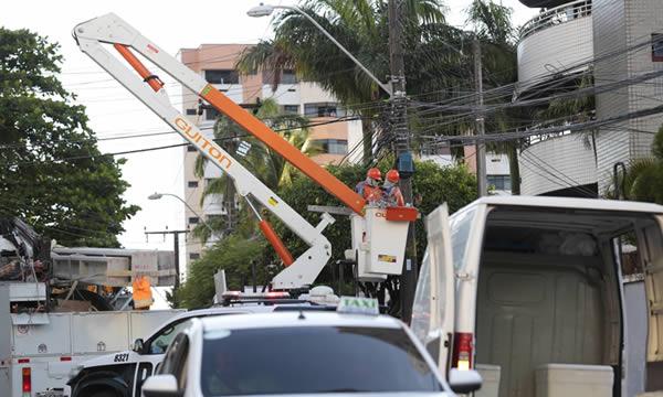 Após suspender cortes de energia, Enel Ceará delibera parar de fazer leitura de medidores em casas