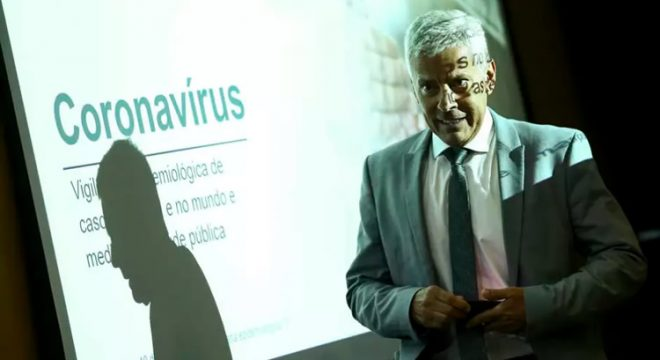 Brasil tem 57 mortes e 2.433 casos confirmados de Covid-19, diz Ministério da Saúde