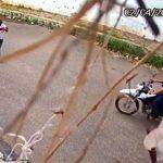 Veja o flagrante em Juazeiro de garota tendo moto roubada sob a mira de arma