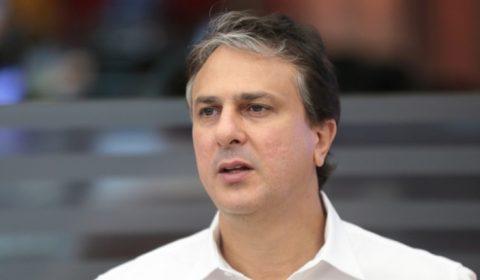 Salões, barbearias e academias permanecem fechados no Ceará, diz Camilo