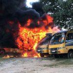 Ônibus escolares de Barro são queimados; incêndio pode ser criminoso, diz prefeito