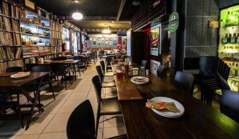 Faturamento de bares e restaurantes despenca 75% no Ceará, aponta pesquisa
