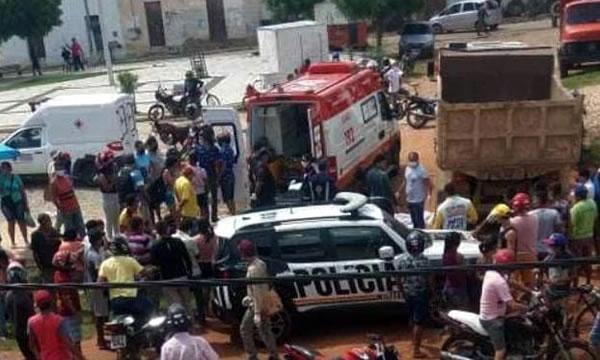 Homem morre atropelado por caminhão em Aurora e outro a tiros em Campos Sales