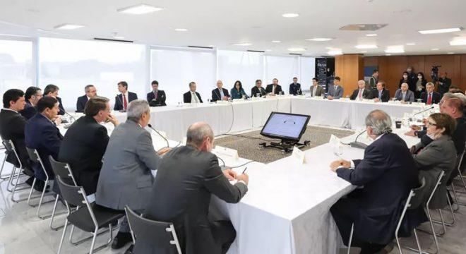 Ministro do STF retira sigilo de vídeo de reunião ministerial