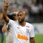 Atacante Vagner Love rescinde contrato e deixa o Corinthians