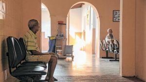 55 óbitos por Covid-19 foram registrados em abrigos para idosos no Ceará